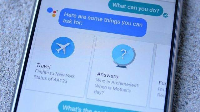 Google Assistant'ın Siri'den 7 Üstün Özelliği