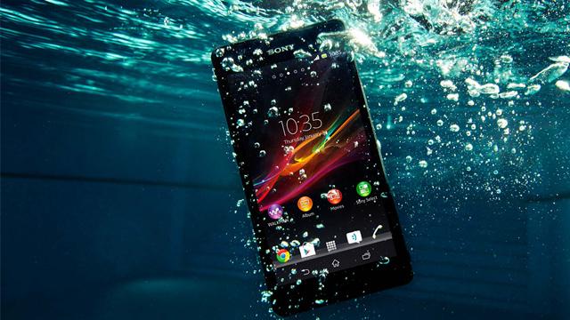 Suya Düşen Telefon Nasıl Kurtarılır? 1