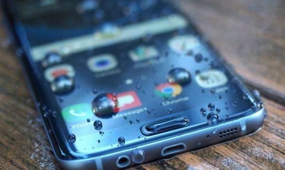 Suya ve Toza Dayanıklı Telefonlar 2
