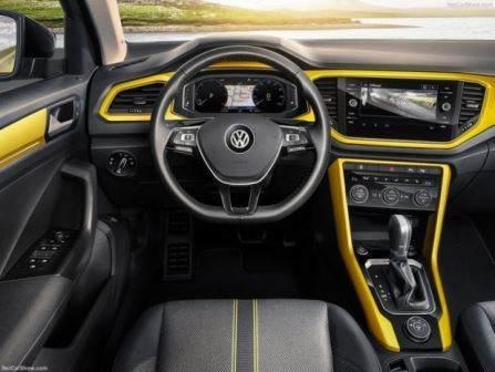 Volkswagen T-Roc (2018)18